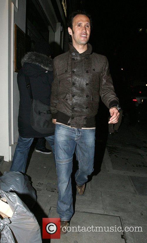 Chelsea and Portugese defender Ricardo Carvalho, leaving Funky...