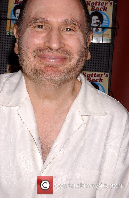 Gabe Kaplan 12
