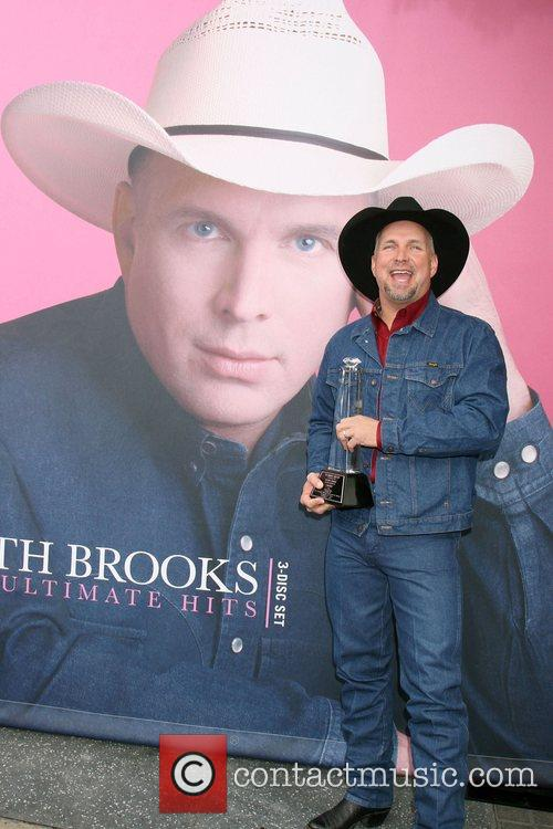 Garth Brooks 25