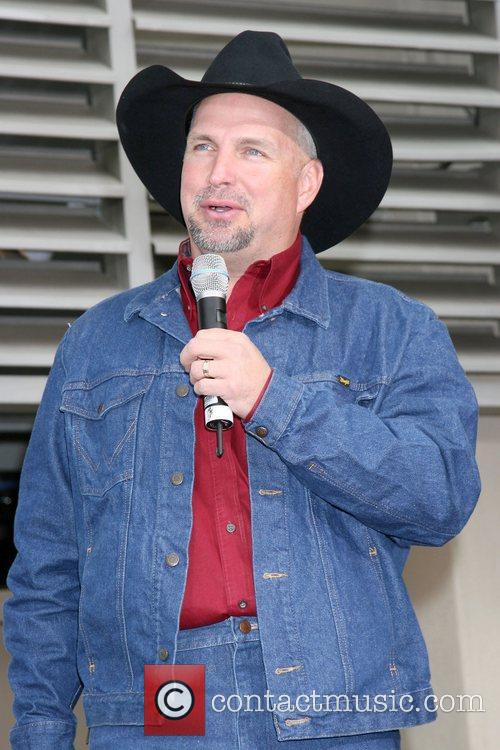 Garth Brooks 28