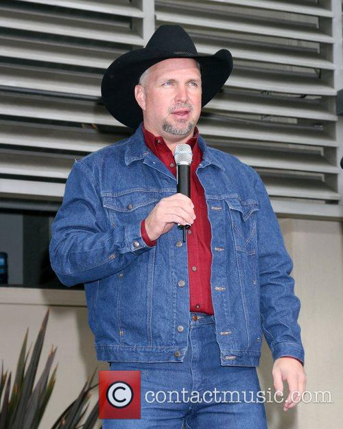 Garth Brooks 16