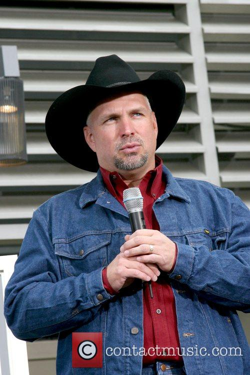 Garth Brooks 14