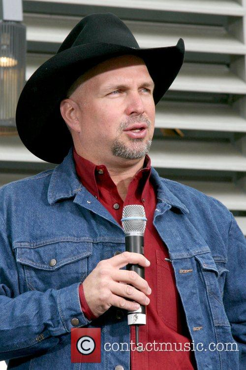 Garth Brooks 19