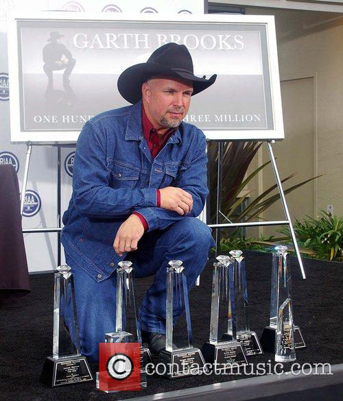 Garth Brooks 40