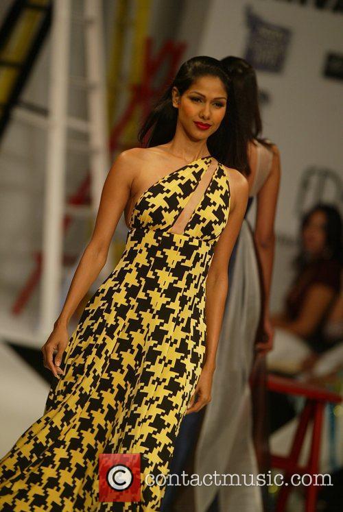 Gauri and Nainka Catwalk show, Spring/Summer 2008 Wills...