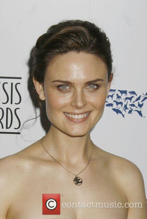 Emily Deschanel and Genesis 5