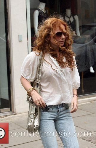Geri Halliwell spends the morning shopping in Notting...