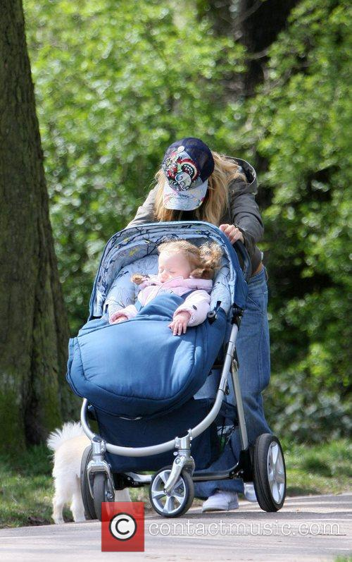 Geri Halliwell in the park with daughter Bluebelland...