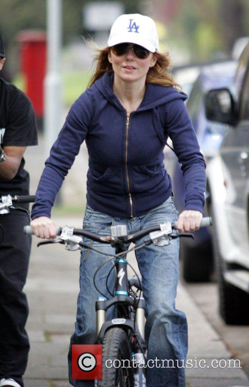 Geri Halliwell clearly needs to take a cycling...