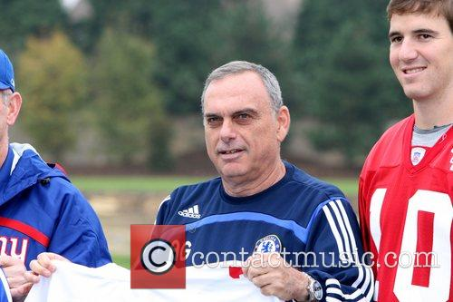 Chelsea Football Club manager Avram Grant and Eli...