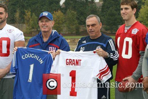 Shaun O'Hara, Eli Manning, Michael Strahan and New...