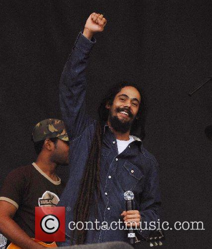 Damian Marley performs Exodus with The Marley Brothers...