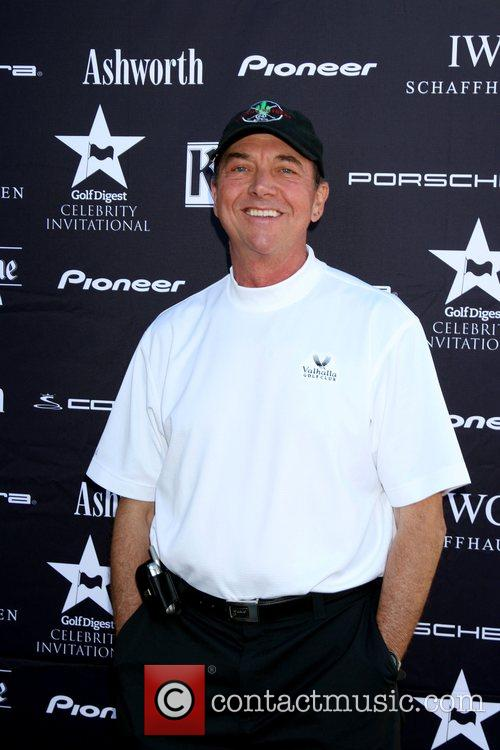Greg Itzin