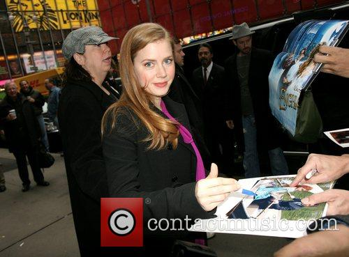 Amy Adams leaving ABC Studios after her appearance...