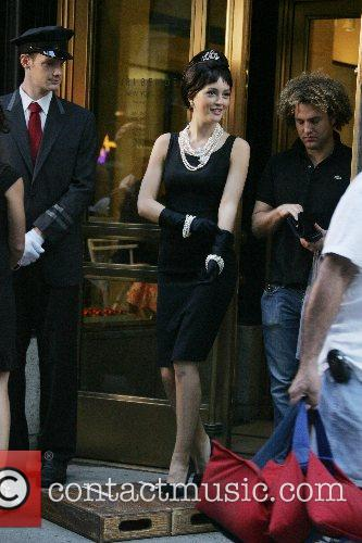 Leighton Meester Filming a scene for the new...