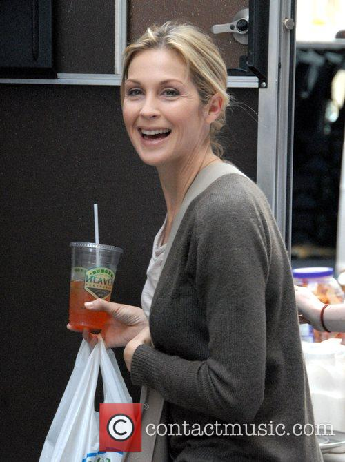 Kelly Rutherford on the set of 'Gossip Girl'...