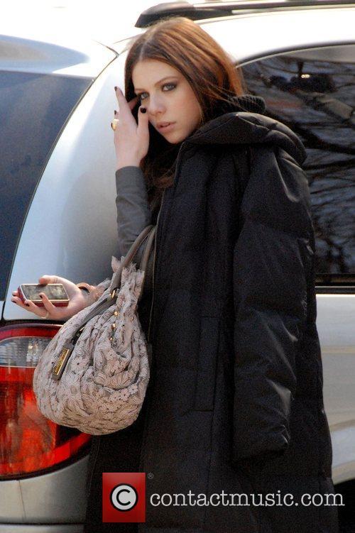 Michelle Trachtenberg filming for 'Gossip Girls' New York...