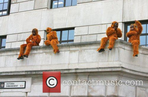 Greenpeace Members Dressed As Orangutans Have Scaled The London Unilever House On The Victoria Embankment To Demonstrate Against Dove. Unilever Is The Parent Company Of Dove 5