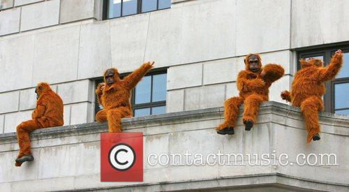 Greenpeace Members Dressed As Orangutans Have Scaled The London Unilever House On The Victoria Embankment To Demonstrate Against Dove. Unilever Is The Parent Company Of Dove 2