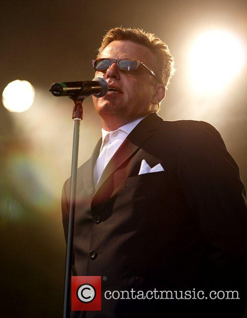 Suggs from Madness performing live at Guilfest 2007...