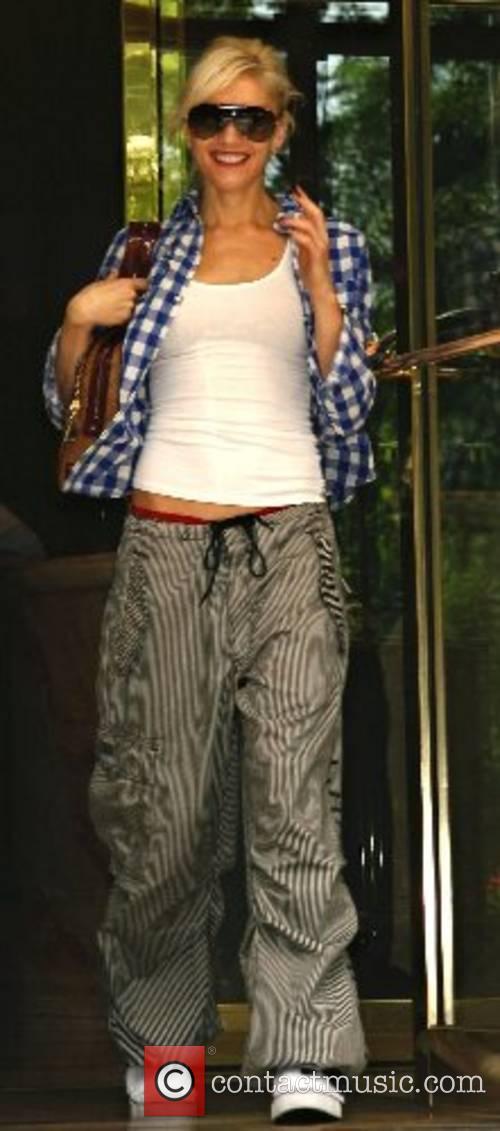 Gwen Stefani leaving her hotel in Manhattan New...