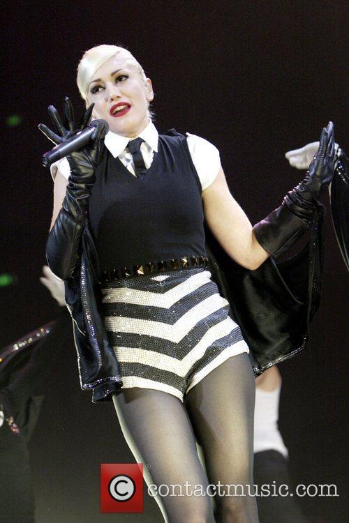Gwen Stefani 38