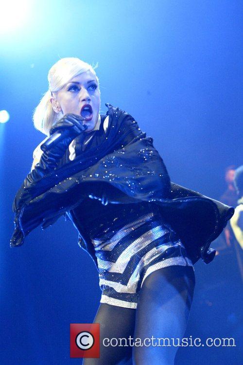 Gwen Stefani 42
