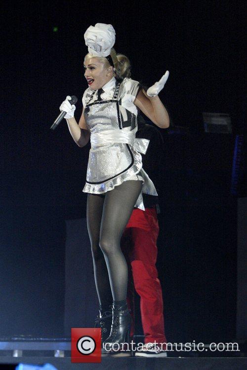 Gwen Stefani 34