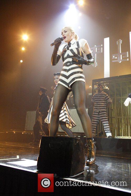 Gwen Stefani 28