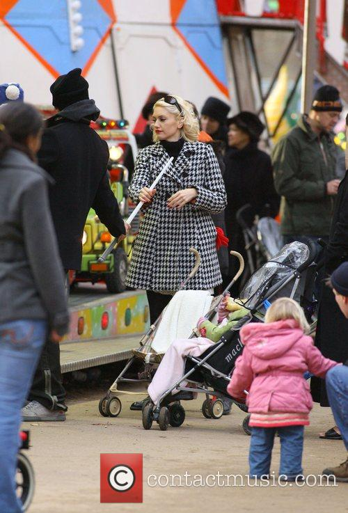 Gwen Stefani enjoys a day out with husband...