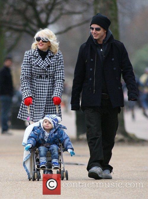 Gwen Stefani and Gavin Rossdale enjoy a day...