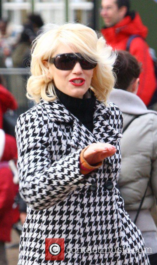 Gwen Stefani enjoys a day out with son...