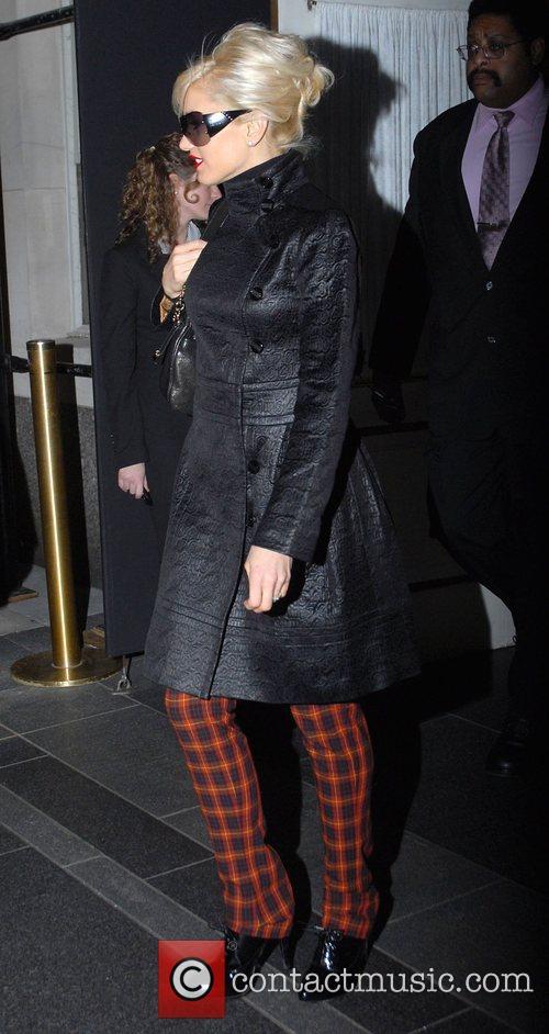 Gwen Stefani leaving her Manhattan hotel New York...