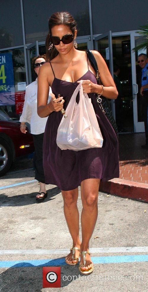 Halle Berry 5