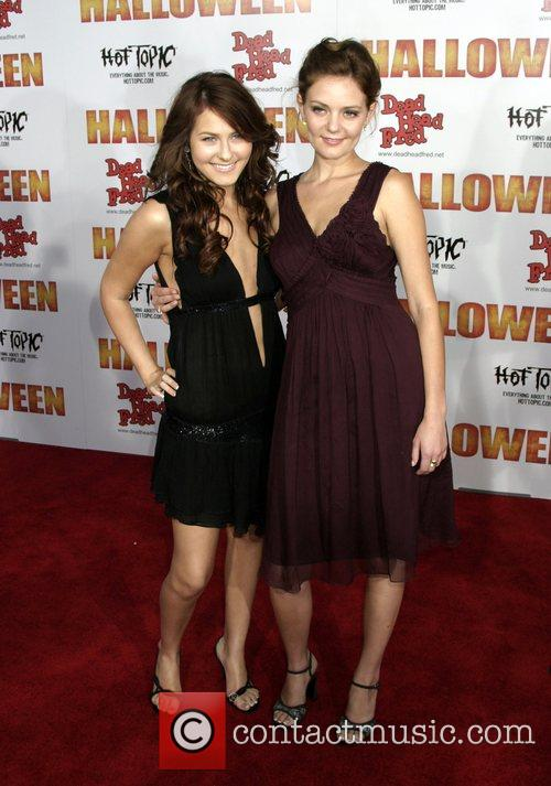 Scout Taylor-compton and Hanna Hall 7
