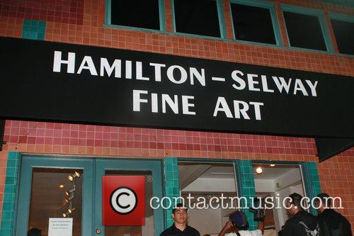 Atmosphere Celebrities visit Hamilton-Selway Fine Art Gallery Los...