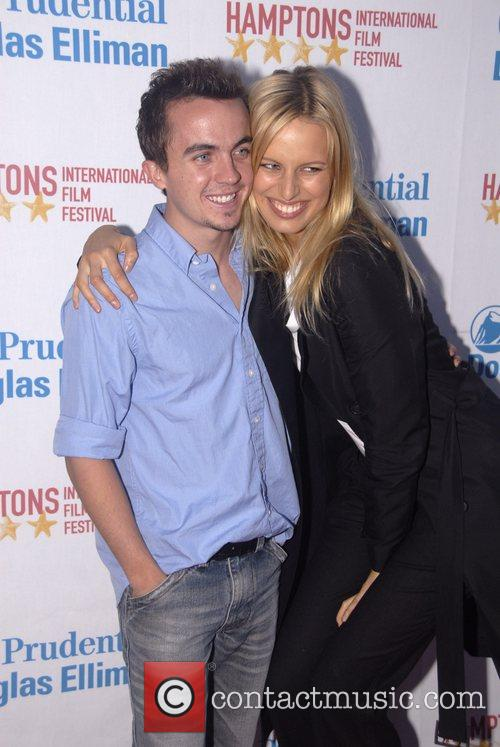 Frankie Muniz and Karolina Kurkova 3