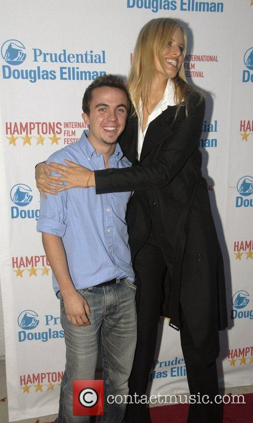Frankie Muniz and Karolina Kurkova 1
