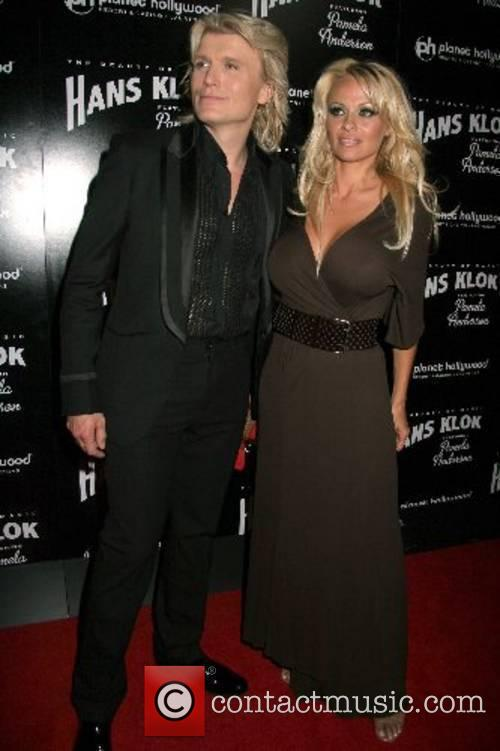 Hans Klok, Pamela Anderson Hans Klok's 'The Beauty...