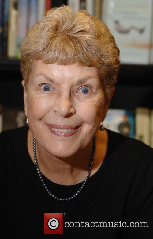 Best-selling Crime Author Ruth Rendell Dies Aged 85