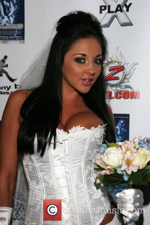 Audrey Bitoni 2