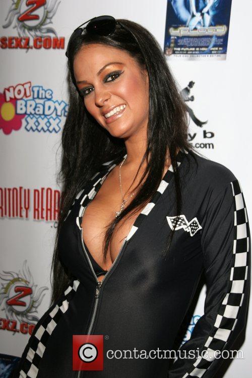 Angelina Valentine 10