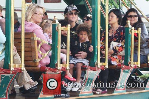 Heidi Klum, family at the Grove and West Hollywood 4
