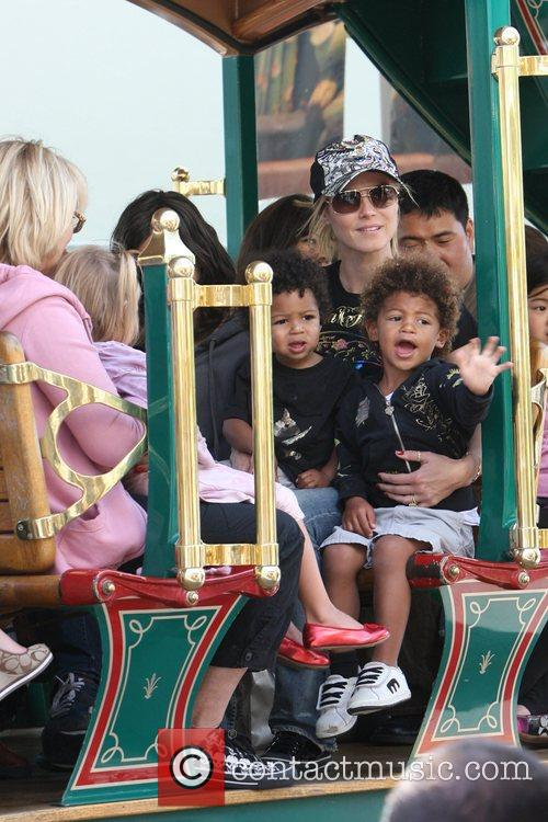 Heidi Klum, family at the Grove and West Hollywood 10