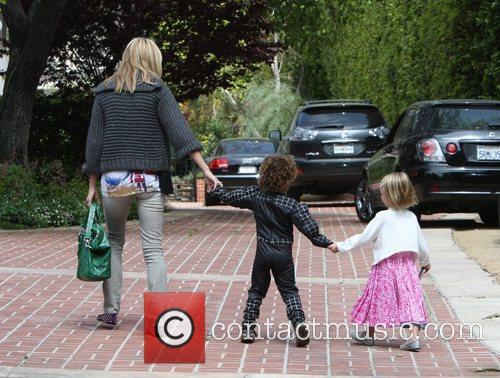 Heidi Klum, her children arrive at a birthday party in Bel Air