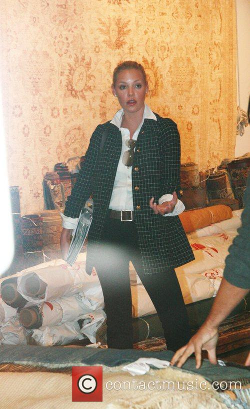Katherine Heigl out carpet shopping at 'Amadi Carpets'...