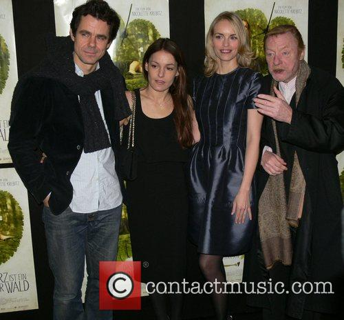 Tom Tykwer, Nicolette Krebitz, Nina Hoss and Otto Sander 3