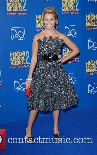 Ashley Tisdale High School Musical 2 - premiere...