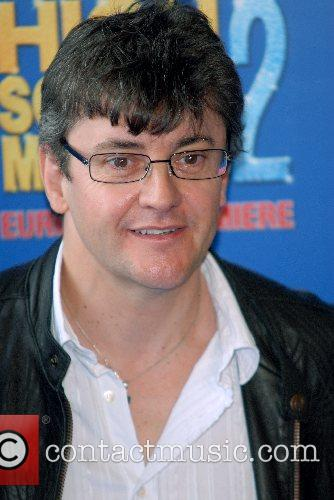 Joe Pasquale High School Musical 2 - premiere...