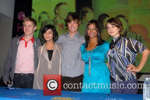 High School Musical, Monique Coleman and Zac Efron 7